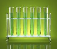 Tubes avec les produits chimiques verts Photo libre de droits