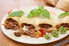 Tubes de pâtes de Paccheri (Cannelloni) Photo libre de droits