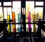 Tubes de produit chimique et de pharmaceutiques Photographie stock libre de droits