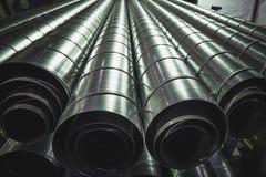 Tubi d'acciaio cilindrici, tubi del metallo, fondo industriale Fotografie Stock Libere da Diritti