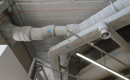 Tubi d'acciaio industriali di ventilazione Fotografia Stock Libera da Diritti
