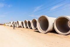 Tubi della caditoia della strada della costruzione Fotografie Stock Libere da Diritti