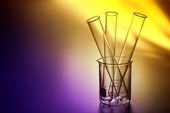 Tubi della prova di laboratorio nel laboratorio di ricerca di scienza Fotografia Stock