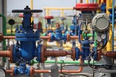 Tubi della raffineria del gas Immagini Stock Libere da Diritti