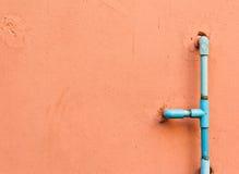 Tubi di acqua sulla parete Fotografia Stock Libera da Diritti