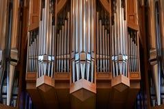 Tubi di organo della chiesa fotografia stock libera da diritti