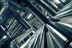 Tubi e valvole in una centrale elettrica Fotografie Stock Libere da Diritti