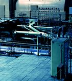 Tubi, tubi, macchinario e turbina a vapore Fotografia Stock