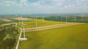 Tubines che filano, metraggio aereo del vento video d archivio