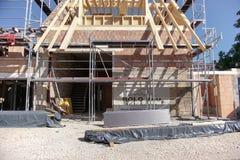 TUBINGEN/GERMANY- 31 JUILLET 2018 : Constructions de logements et routes autour de la ville de T?binga Quelques b?timents regarde image libre de droits