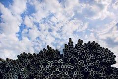 Tubo d'acciaio e cielo Fotografia Stock