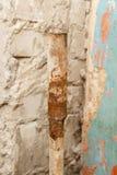tubo de agua oxidado después de treinta años de operación Foto de archivo