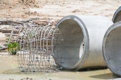 Tubo de drenaje, barras de acero Fotos de archivo libres de regalías