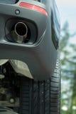 Tubo de escape del nuevo coche. foto de archivo libre de regalías