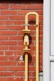 Tubo de gas en la pared Fotografía de archivo libre de regalías