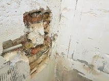 Tubo de la pared de ladrillo y del propileno imágenes de archivo libres de regalías