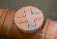 Tubo de las aguas residuales en el emplazamiento de la obra fotografía de archivo libre de regalías
