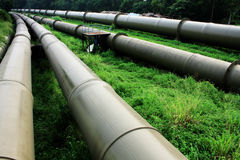 Tubo de petróleo y de gas Fotos de archivo libres de regalías