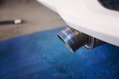 Tubo del titanio dello scarico dell'automobile Fotografia Stock