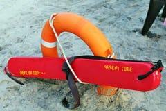 Tubo di salvataggio nella spiaggia Fotografia Stock Libera da Diritti
