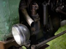 Tubo di scarico di retro trattore immagine stock