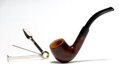 Tubo di tabacco e strumento di pulizia Fotografie Stock