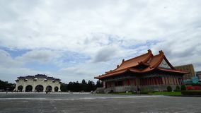Tubo principal nacional de la sala de conciertos y de Liberty Square de Chiang Kai-Shek Memorial Hall en Taipei, Taiwán almacen de video