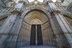 Tubo principal, Toledo - faca de Primada Santa Maria de Toledo de la catedral imagen de archivo