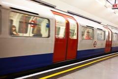 Tubo subterráneo de Londres a toda prisa Imagen de archivo