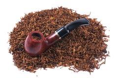Tubo y tabaco aislados en blanco Imagen de archivo libre de regalías