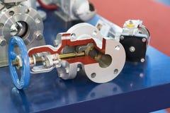 Tubo y válvula industriales para el líquido, aceite, aire, neumático, hydra Fotos de archivo