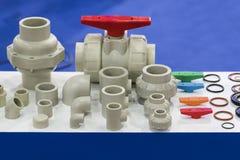 Tubo y válvula industriales para el líquido, aceite, aire, neumático, hydra Imagenes de archivo