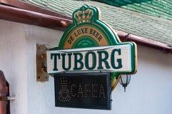 Tuborg啤酒在地方餐馆的路牌 免版税图库摄影