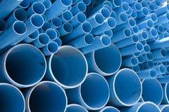 Tubos azules del pvc Imagen de archivo