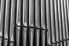 Tubos de órgano dentro de una catedral Imagen de archivo libre de regalías