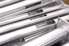 Tubos de aluminio de los posts de la electricidad para la construcción Foto de archivo libre de regalías