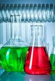 Tubos de ensaio com líquidos coloridos Fotos de Stock Royalty Free