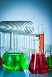 Tubos de ensaio com líquidos coloridos Fotografia de Stock