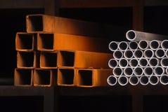Tubos de los TUBOS DE ACERO imagen de archivo