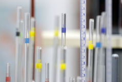 Tubos de prueba en laboratorio Foto de archivo libre de regalías
