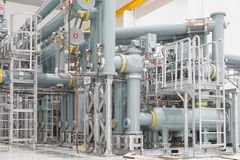 Tubos en la central eléctrica fotografía de archivo libre de regalías
