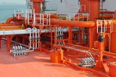 Tubos en la cubierta del petrolero Imagen de archivo libre de regalías