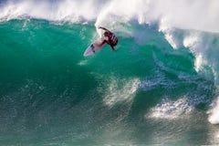 Tubos estupendos 1 de la bahía de Jeffreys de la competencia que practican surf Fotografía de archivo libre de regalías