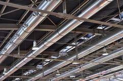 Tubos industriales aire acondicionado, fondo Foto de archivo