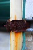 Tubos oxidados de la cerradura. Imagen de archivo libre de regalías