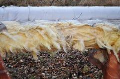 Tubos oxidados del conducto viejo de la calefacción Foto de archivo libre de regalías