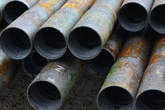 Tubos para los pozos del petróleo y gas de la perforación Imagenes de archivo