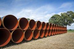 Tubos para una nueva tubería del conducto del gas fotografía de archivo