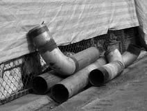 Tubos viejos del metal fotografía de archivo