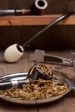 Tubos y accesorios de tabaco para fumar Imagen de archivo libre de regalías
